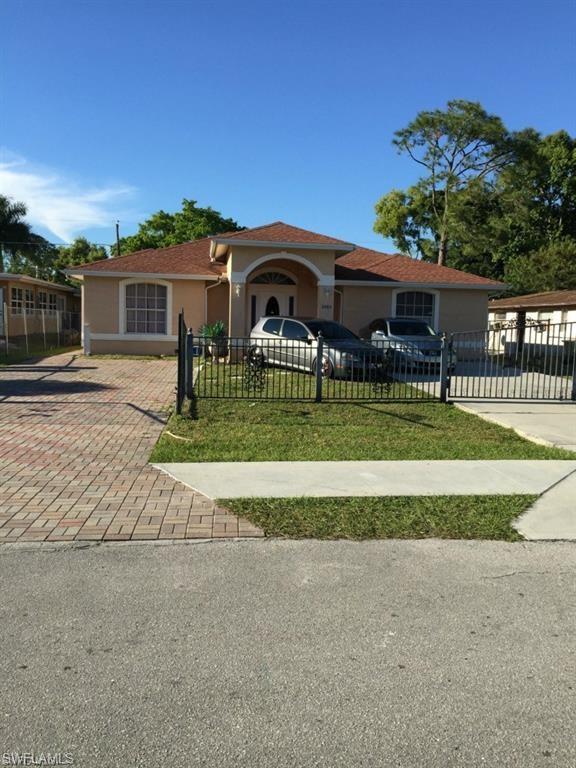 5305 Jennings St, Naples, FL 34113 (#219042719) :: Southwest Florida R.E. Group LLC