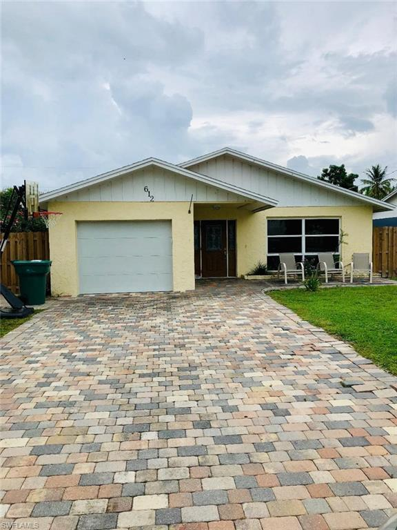 612 106th Ave N, Naples, FL 34108 (MLS #219046673) :: Clausen Properties, Inc.