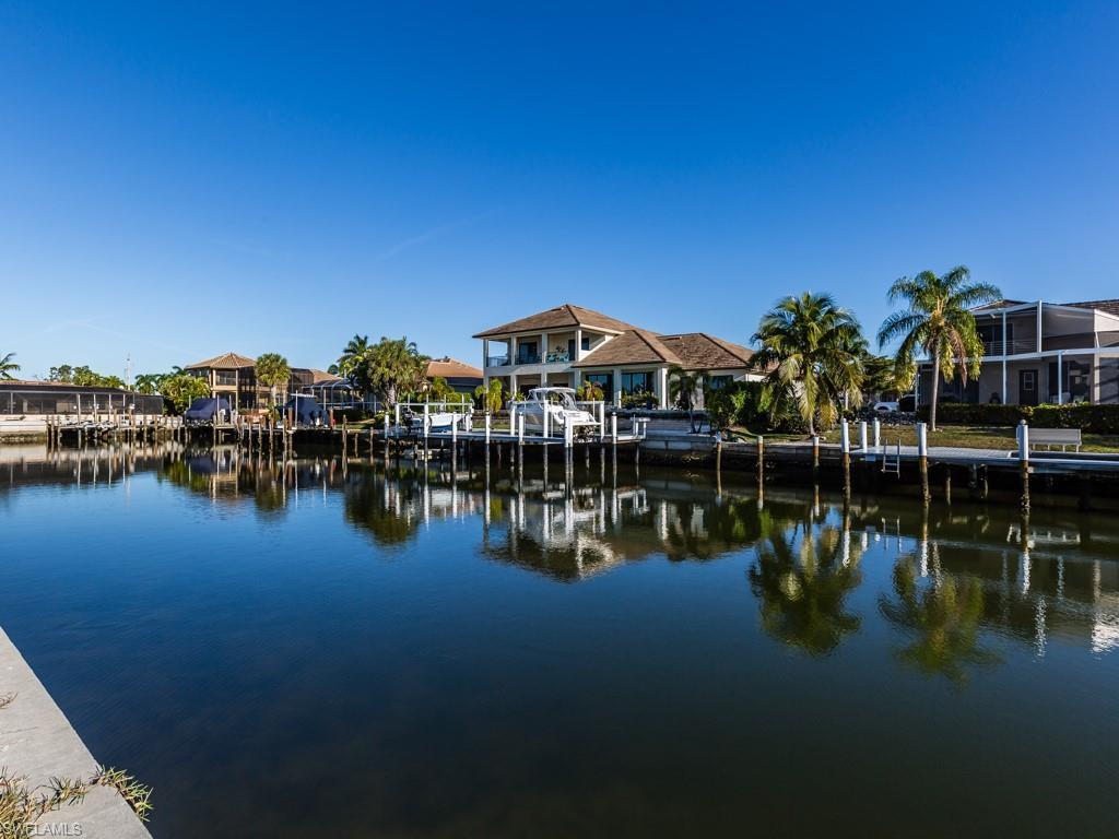 273 Seminole Ct - Photo 1