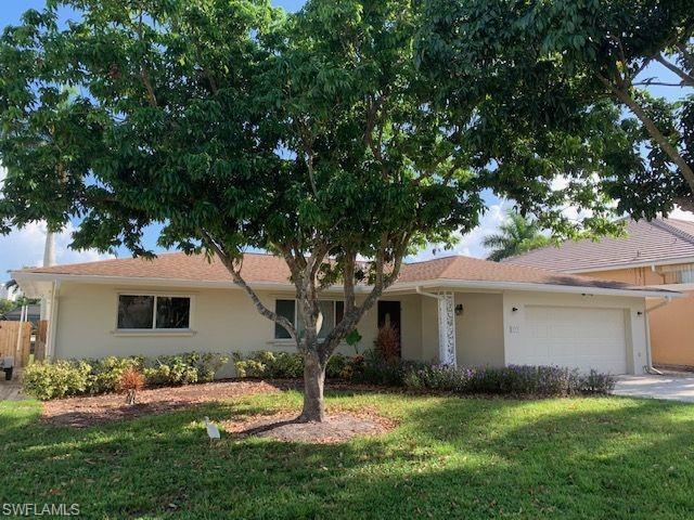 373 Egret Ave, Naples, FL 34108 (MLS #219052004) :: Sand Dollar Group
