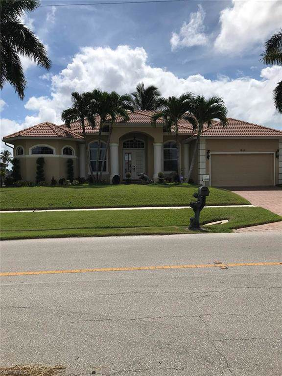 1549 Buccaneer Ct, Marco Island, FL 34145 (MLS #219060545) :: Sand Dollar Group