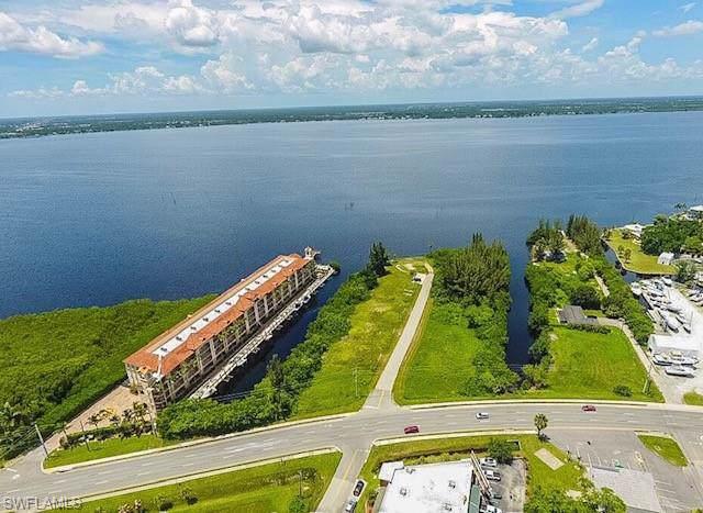 6162 Landings Way, Punta Gorda, FL 33950 (MLS #219070360) :: Wentworth Realty Group