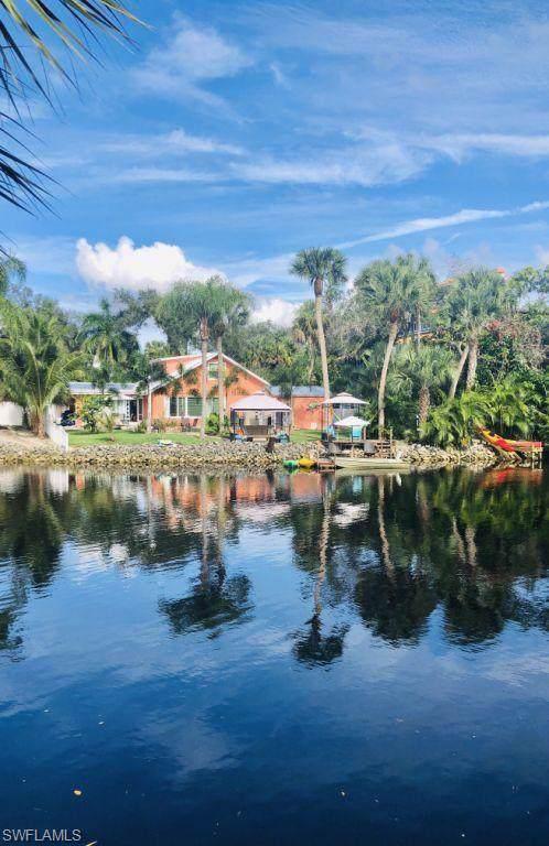 27271 Riverside Dr, Bonita Springs, FL 34135 (MLS #219074545) :: Kris Asquith's Diamond Coastal Group