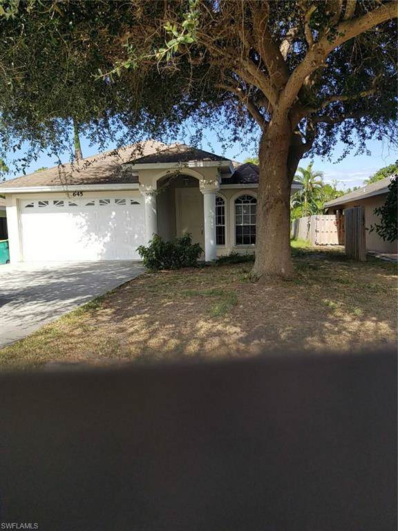 645 105th Ave N, Naples, FL 34108 (MLS #219075821) :: #1 Real Estate Services
