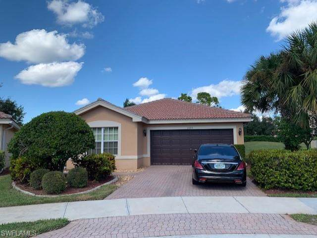 2085 Painted Palm Dr, Naples, FL 34119 (MLS #219076697) :: Clausen Properties, Inc.