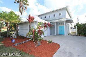 528 111th Ave N, Naples, FL 34108 (MLS #219079049) :: The Naples Beach And Homes Team/MVP Realty