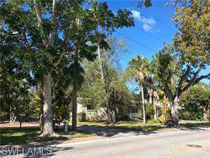 1140 8th St S, Naples, FL 34102 (MLS #219080046) :: Clausen Properties, Inc.