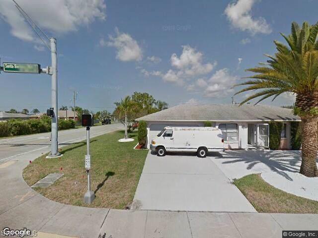712 Santa Barbara Blvd, Cape Coral, FL 33991 (#220000056) :: The Dellatorè Real Estate Group