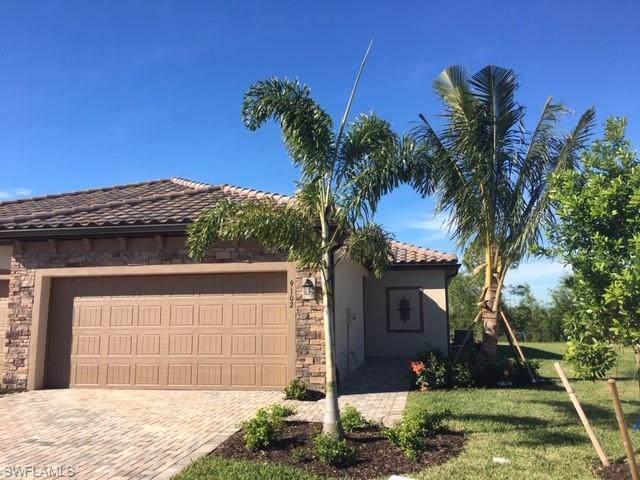 9102 Woodhurst Dr, Naples, FL 34120 (#220002511) :: The Dellatorè Real Estate Group