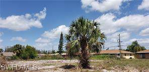17469/471 Dumont Dr, Fort Myers, FL 33967 (#220003770) :: The Dellatorè Real Estate Group