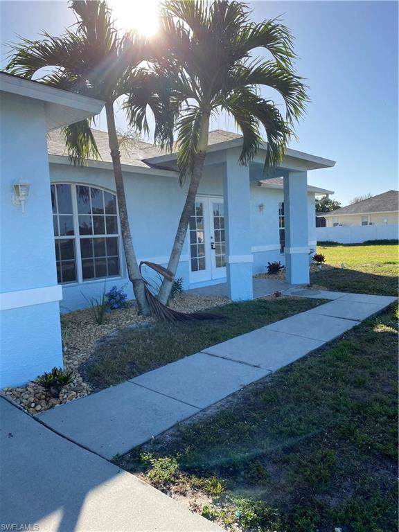 217 NW 27th Pl, Cape Coral, FL 33993 (MLS #220007370) :: Clausen Properties, Inc.