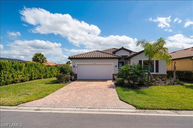 1552 Vizcaya Ln, Naples, FL 34113 (MLS #220017625) :: #1 Real Estate Services