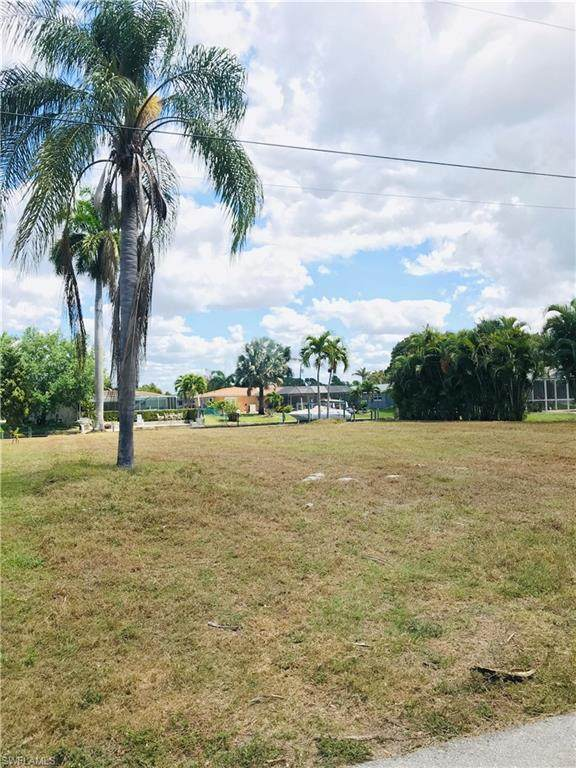 5231 Stratford Ct, Cape Coral, FL 33904 (MLS #220022257) :: Clausen Properties, Inc.