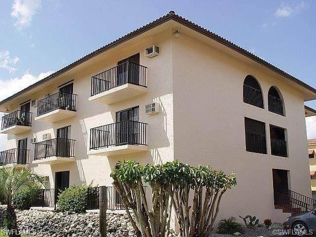 830 Wiggins Pass Rd #14, Naples, FL 34110 (MLS #220031853) :: Clausen Properties, Inc.