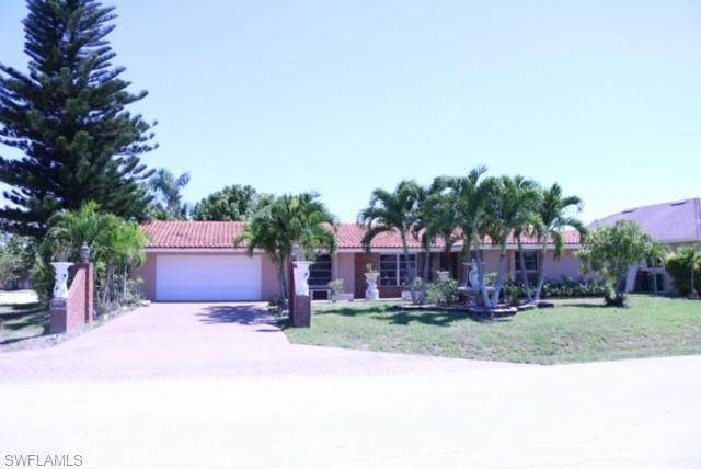 606 109th Ave N, Naples, FL 34108 (MLS #220032481) :: #1 Real Estate Services
