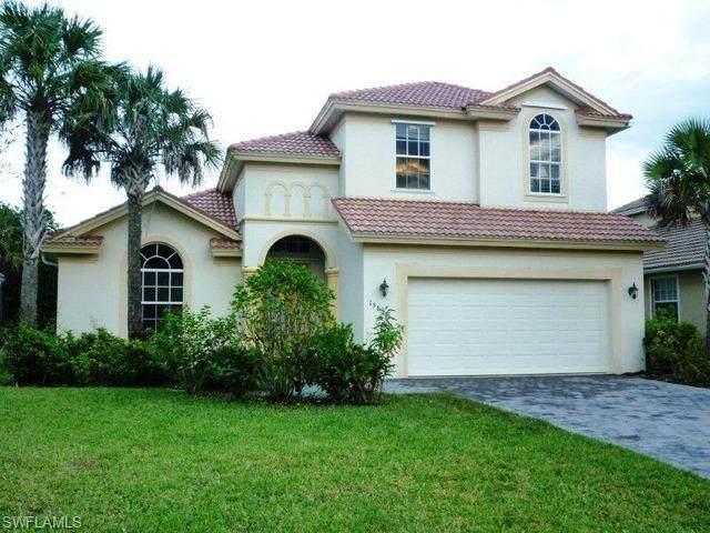 15850 Delaplata Ln, Naples, FL 34110 (#220034257) :: The Dellatorè Real Estate Group