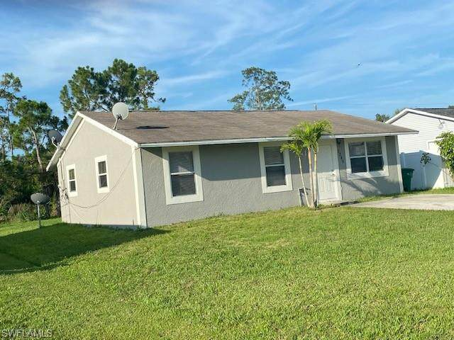5246 Texas Ave, Naples, FL 34113 (#220037233) :: The Dellatorè Real Estate Group