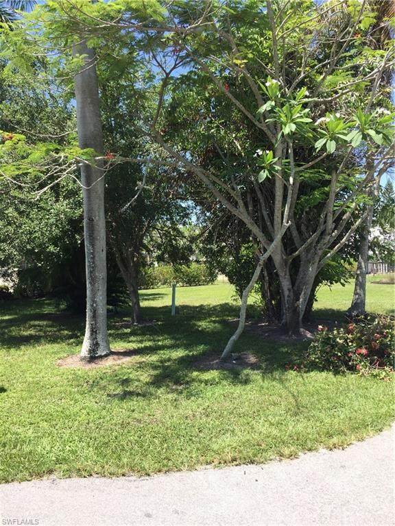 674 11th St N, Naples, FL 34102 (#220038717) :: Equity Realty