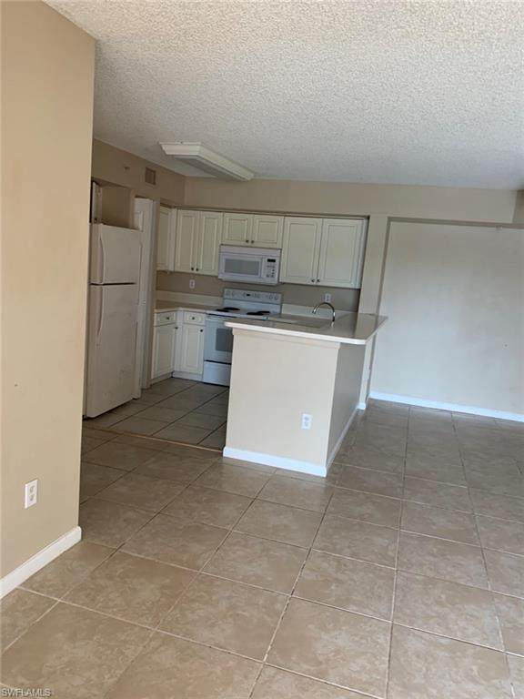 1185 Wildwood Lakes Blvd 7-103, Naples, FL 34104 (MLS #220041940) :: Avant Garde