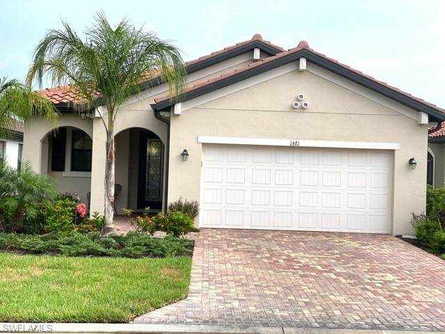 1571 Parnell Ct, Naples, FL 34113 (#220045022) :: Southwest Florida R.E. Group Inc