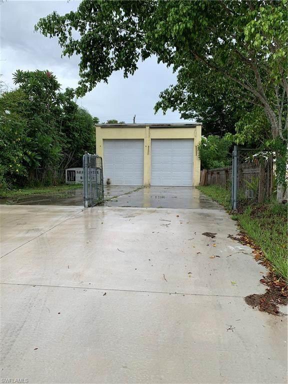 1231 Rosemary Ln, Naples, FL 34103 (MLS #220053096) :: Florida Homestar Team