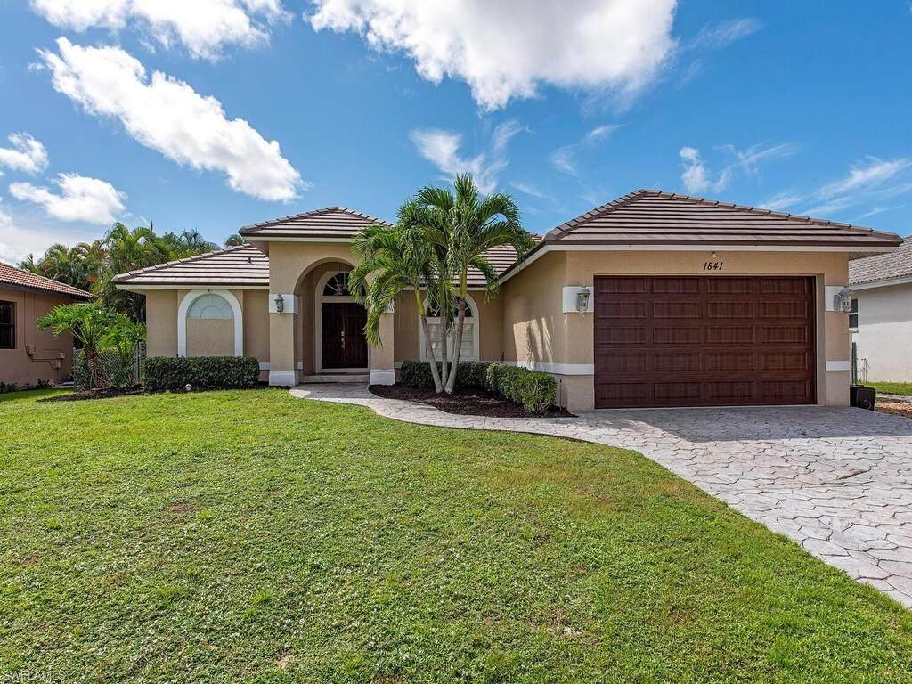 1841 Bahama Ave - Photo 1