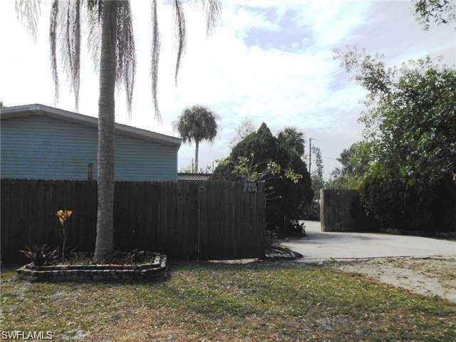 4982 Dean St, Fort Myers, FL 33905 (#220057488) :: Equity Realty