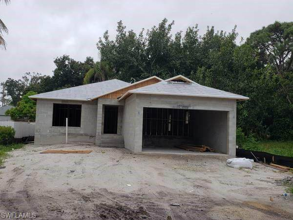 10010 Connecticut St, Bonita Springs, FL 34135 (MLS #220059055) :: Domain Realty