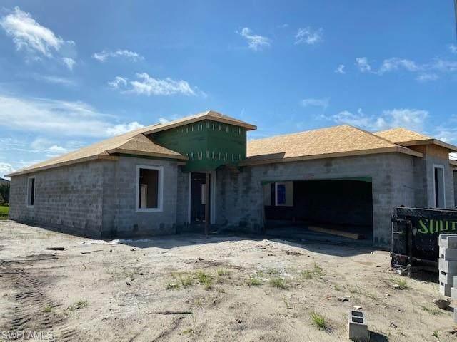 28119 Foxrock Ct, Bonita Springs, FL 34135 (MLS #220060816) :: #1 Real Estate Services