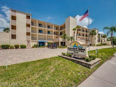 6655 Estero Blvd #214, Fort Myers Beach, FL 33931 (MLS #220062996) :: The Naples Beach And Homes Team/MVP Realty