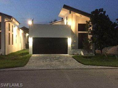 3021 Lunar St, Naples, FL 34112 (#220073624) :: The Michelle Thomas Team