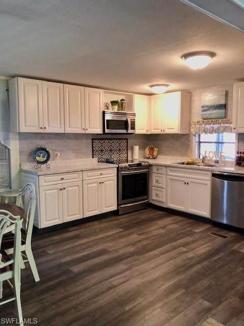 191 San Lu Rue Ave #191, Naples, FL 34104 (MLS #220077039) :: Uptown Property Services
