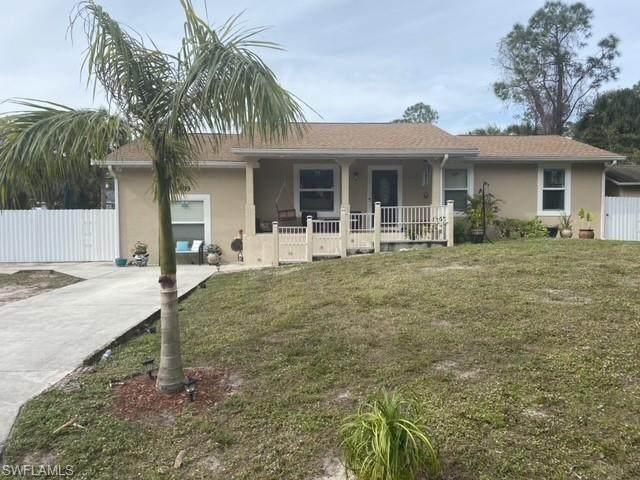 403 Castle Rd, Naples, FL 34119 (#221004416) :: The Dellatorè Real Estate Group