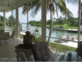 880 Scott Dr, Marco Island, FL 34145 (#221005518) :: Caine Luxury Team