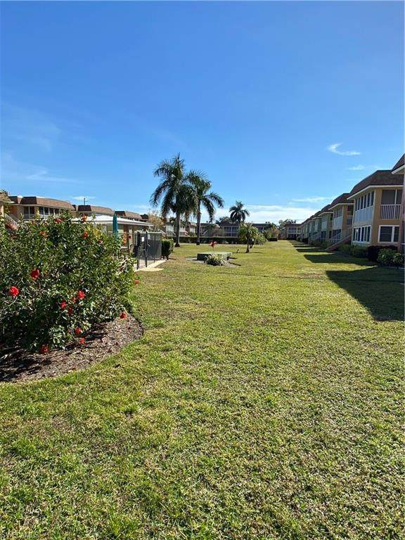 1400 Pompei Ln #31, Naples, FL 34103 (MLS #221005877) :: Domain Realty