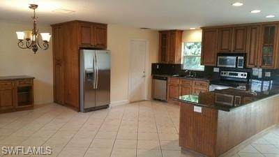 7370 Sea Island Rd, Fort Myers, FL 33967 (MLS #221009162) :: Realty Group Of Southwest Florida