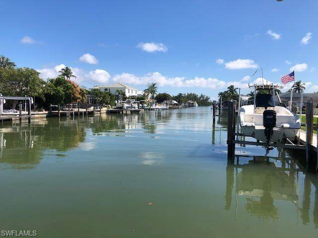 111 Trinidad St, Naples, FL 34113 (MLS #221013704) :: Waterfront Realty Group, INC.