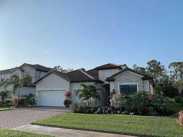 2098 Antigua Ln, Naples, FL 34120 (MLS #221015229) :: #1 Real Estate Services