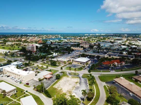 579 E Elkcam Cir, Marco Island, FL 34145 (MLS #221016117) :: Realty Group Of Southwest Florida