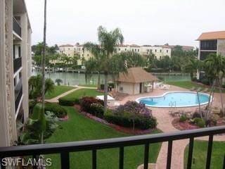 2900 Gulf Shore Blvd #205, Naples, FL 34103 (#221030598) :: Southwest Florida R.E. Group Inc