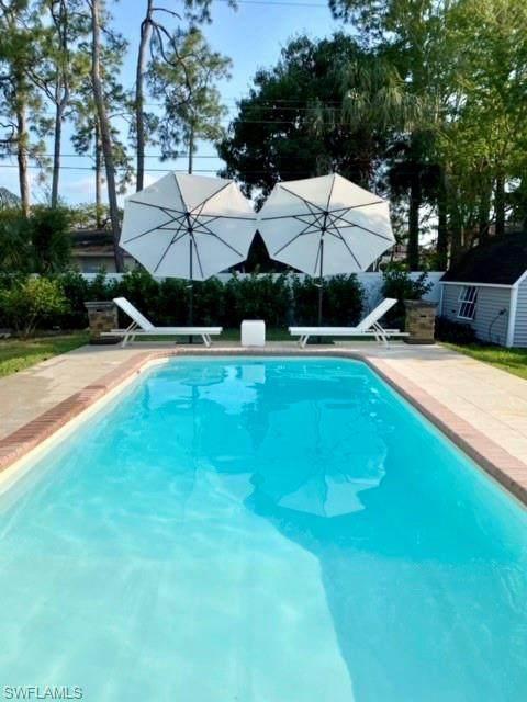 4282 Mohawk Pl, Naples, FL 34112 (#221034953) :: The Dellatorè Real Estate Group