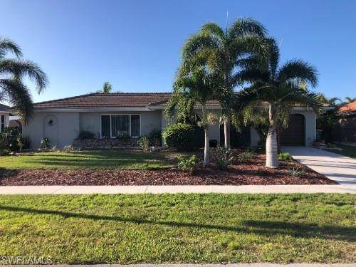1551 Honeysuckle Ave, Marco Island, FL 34145 (MLS #221045290) :: Realty World J. Pavich Real Estate