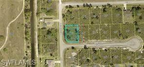 635 Camilla St E, Lehigh Acres, FL 33974 (#221045711) :: The Dellatorè Real Estate Group