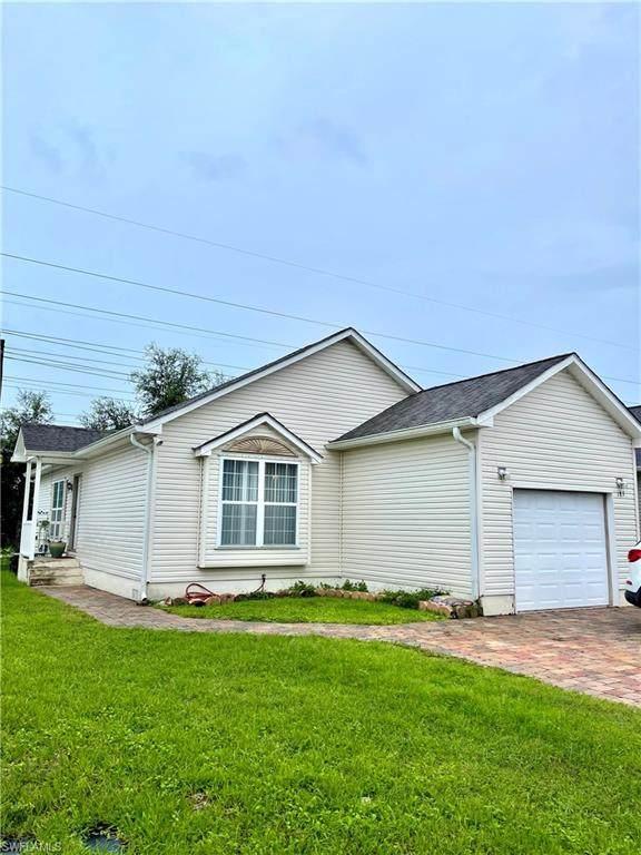 183 Leawood Cir, Naples, FL 34104 (MLS #221050243) :: Realty World J. Pavich Real Estate