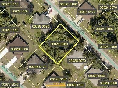 5229 30th St SW, Lehigh Acres, FL 33973 (#221051359) :: Caine Luxury Team
