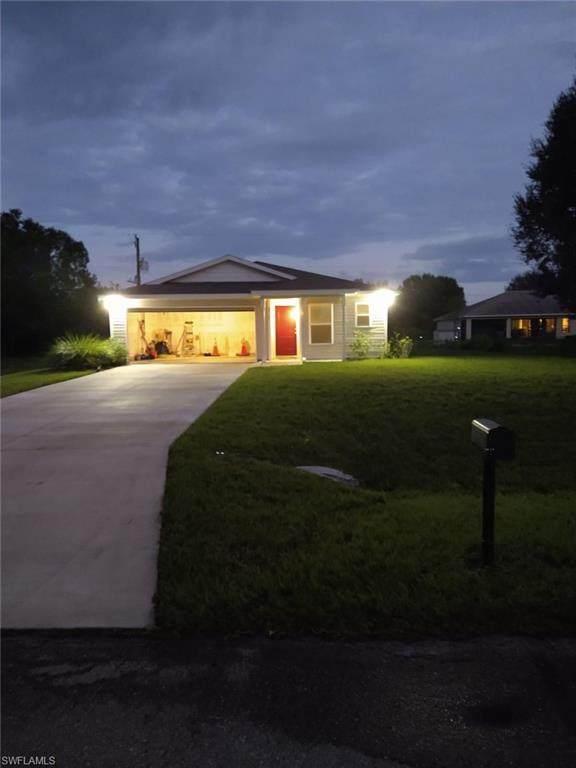 6032 Latimer Ave, Fort Myers, FL 33905 (#221051974) :: Caine Luxury Team
