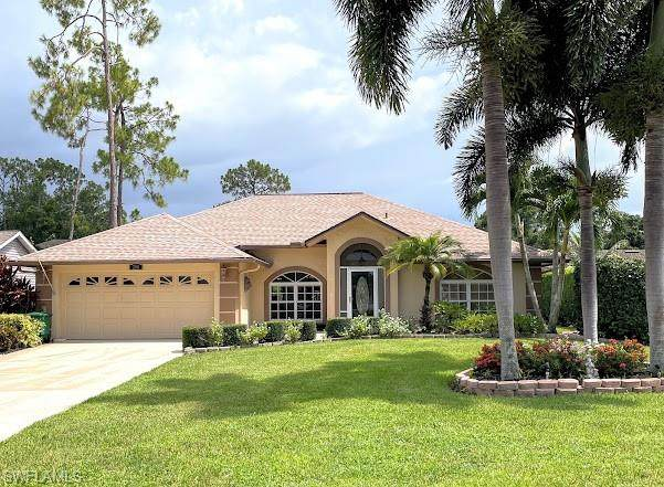 288 Madison Dr, Naples, FL 34110 (#221053101) :: The Dellatorè Real Estate Group