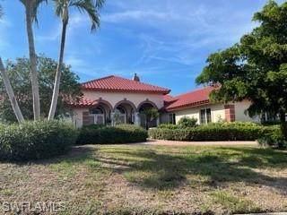 691 Ardmore Ln, Naples, FL 34108 (MLS #221053849) :: Clausen Properties, Inc.