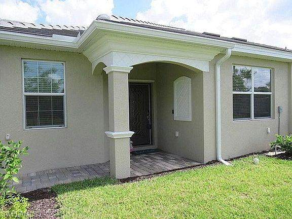 4128 Bisque Ln, Fort Myers, FL 33916 (MLS #221053945) :: Realty World J. Pavich Real Estate