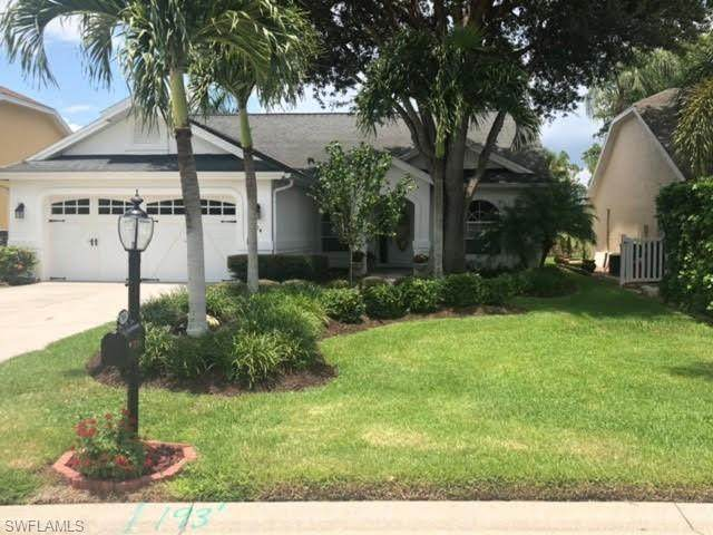 904 Belville Blvd, Naples, FL 34104 (MLS #221054287) :: Realty One Group Connections